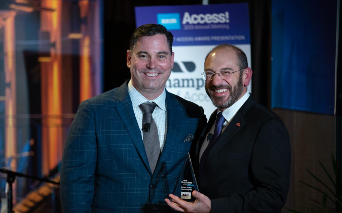 Ron Piervincenzi, Ph.D. receiving the Association of Accessible Medicines (AAM) Champion of Access award.